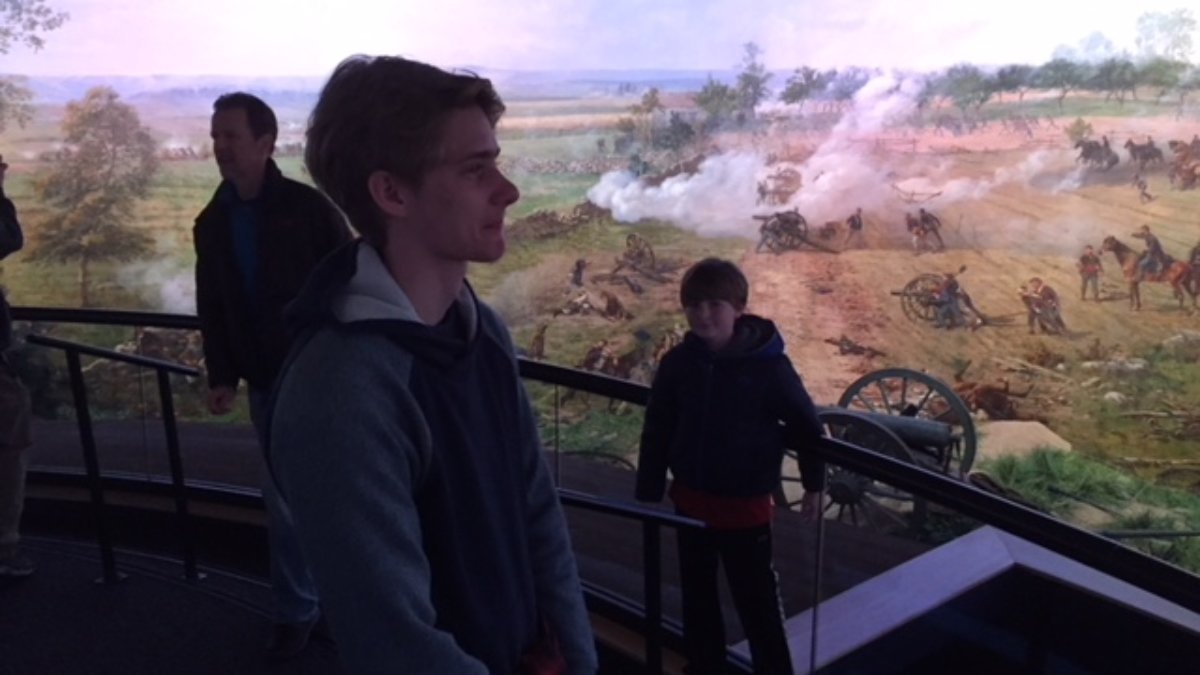 Students at Gettysburg information center